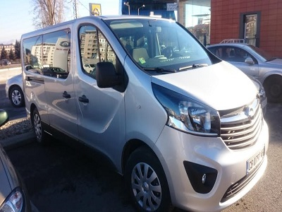 Opel Vivaro biTurbo, Rent a car